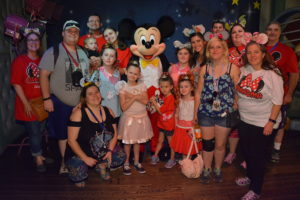 Family photo with Mickey - Disneyland 2017